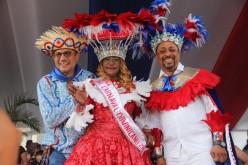 Fefita La Grande y Michael Miguel con el ministro de Cultura encabezaron el Desfile Nacional de Carnaval 2016