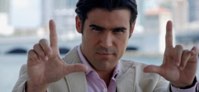 """Para José Guillermo Cortines Chévere Nights """"jala"""" más que las novelas de Telemundo"""
