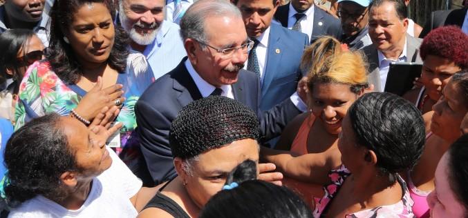 Presidente Medina dispone saneamiento de cañadas El Indio y Guajimía, en Herrera (SDO)