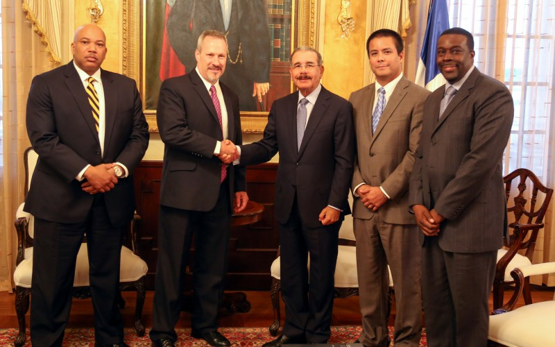 Nuevo director regional de la DEA recibido por el presidente Medina