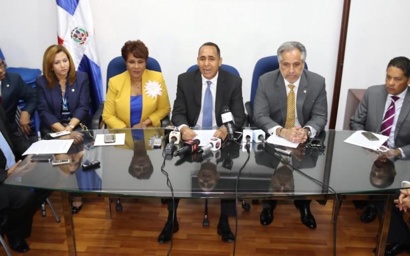 Diputados PRM piden crear comision indague tratos del presidente Medina con asesor Joao Santana