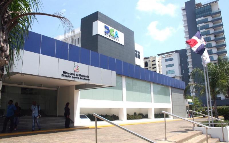 Dirección de Aduanas cuestiona comportamiento de jueza de Santiago y advierte sobre rol de la justicia en RD