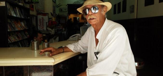 El Maestro Jose Cestero, Premio Nacional de Literatura 2016, habitué eterno de la Cafetera Colonial