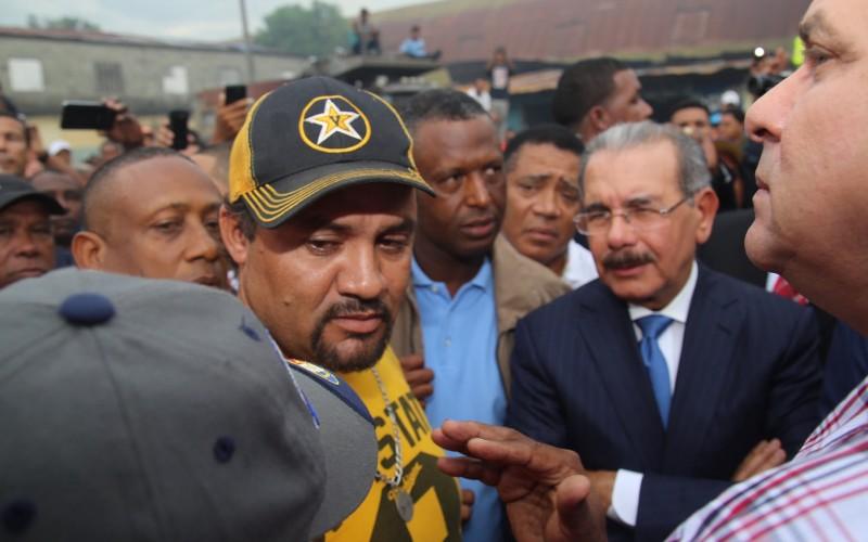 Danilo Medina luego del fuego en el mercado de La Vega