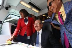"""(Video) Danilo como """"chofer"""" del Metro en la línea 2B en su primer viaje de la Capital a Los Mina"""