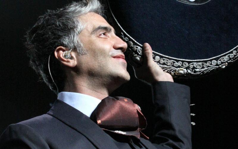 Al «potrillo» Alejandro Fernández lo mordió un perro