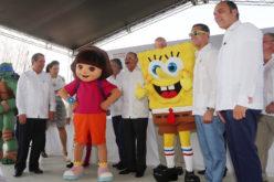 Presidente Medina en inauguración del hotel Nickelodeon Punta Cana