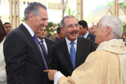 El Presidente asiste en San Juan a celebración aniversaria ordenación obispo José Dolores Grullón Estrella