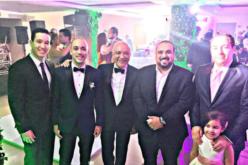 Jochy Santos con sus 4 hijos y su nieta Amanda en la boda de Eduardo