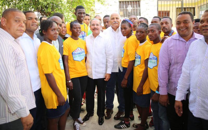 Presidente encabeza apertura Festival Deportivo de Frontera 2016; participan atletas de Haiti y RD