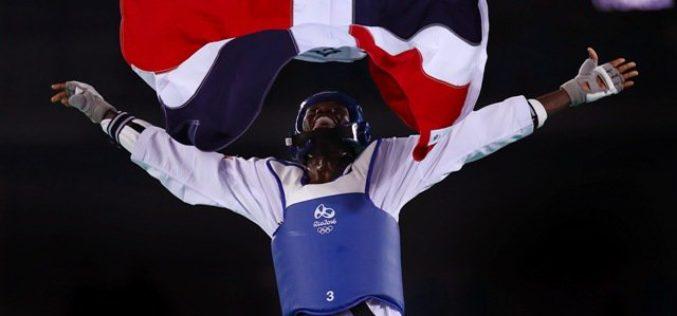 Luis Pie felicitado por el presidente Danilo Medina por lograr medalla olímpica para RD en Río 2016