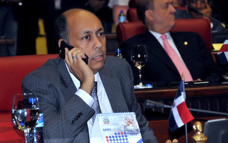 Por sonado caso Super Tucanos, reacciona el senador Luis  René Canaán