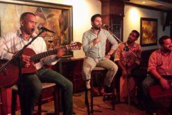 Homenaje a Juan Gabriel en el bar Salon de los Espejos este martes