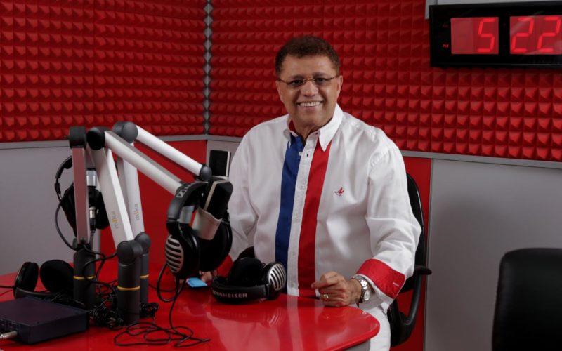 Domingo Bautista critica áciddamente uso politico del canal 4 por gobiernos; propone lo cedan a Gómez Díaz