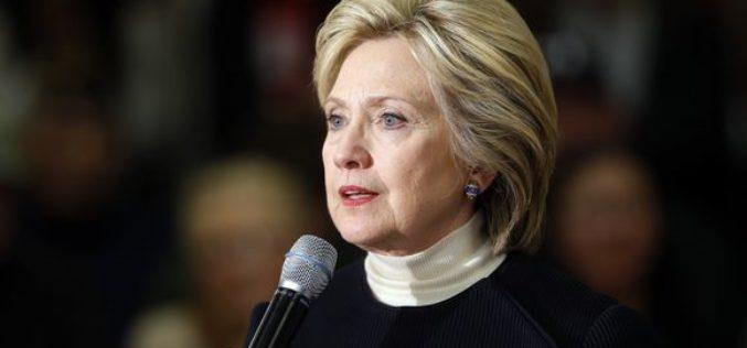 Video en el se ve a Hillary Clinton perder estabilidad luego de abandonar actos oficiales del 9/11