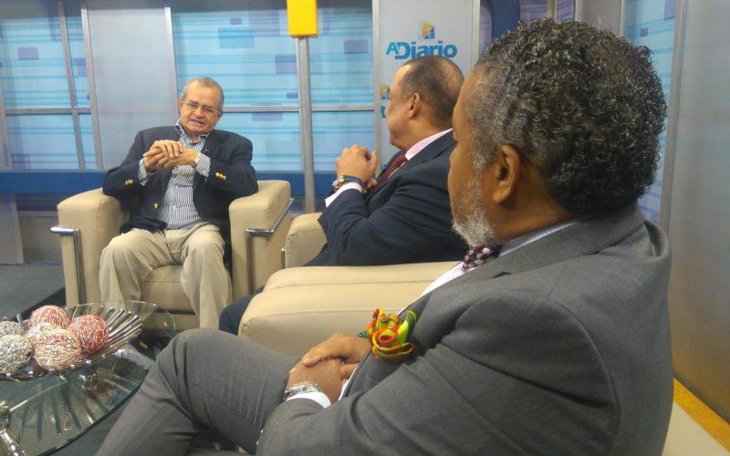Franklin Almeyda considera no correcto cancelar visado oficial de EEUU a Roberto Rosario; ve retaliación