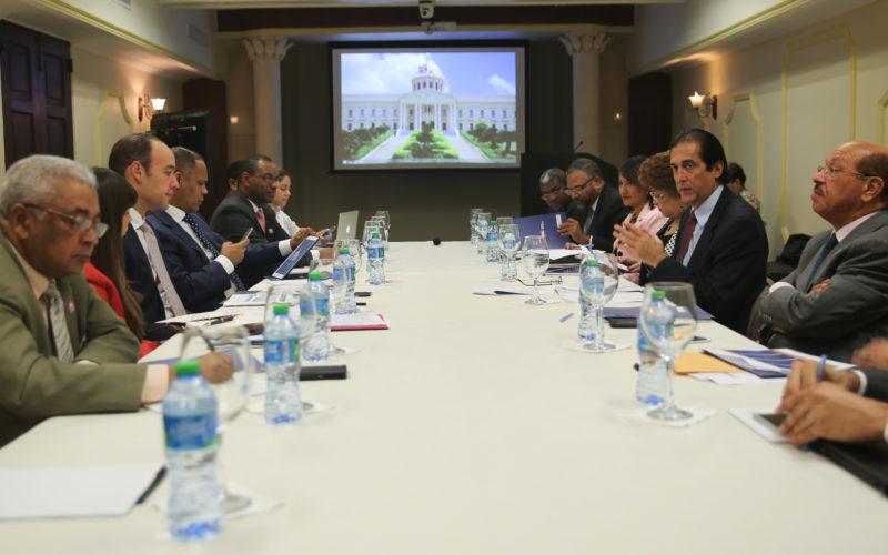(Video) Se realiza la primera reunion de la Comisión Presidencial de República Digital