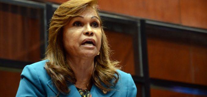 Aumento de sueldo senadores, alza de precio en combustibles, peajes y pasajes; empresarios en politica y Sonia Mateo para rematar