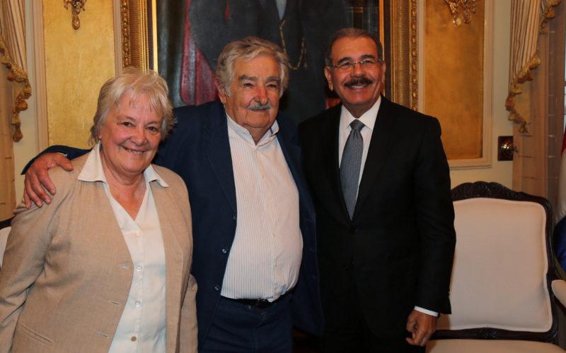 (Video) Pepe Mujica considera «milagroso» el gobierno de Danilo; dice no saber como se hace con tan bajos impuestos