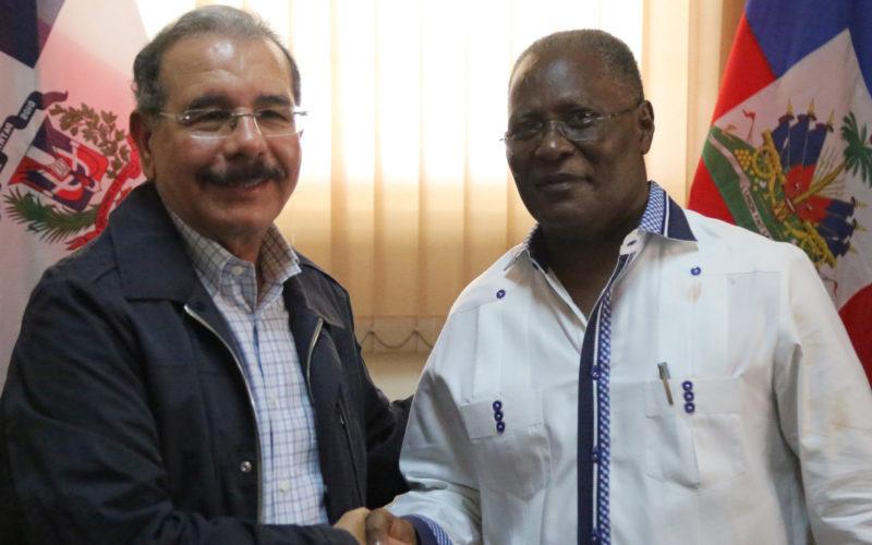 (Vdeo) Presidente Medina visita Haití y tiende la mano solidaria del gobierno y pueblo dominicanos luego de la tragedia