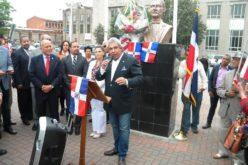 """Cónsul dominicano en NY encabeza acto de designacion con el nombre """"Republica Dominicana Way"""" a avenida de Patterson, NJ"""