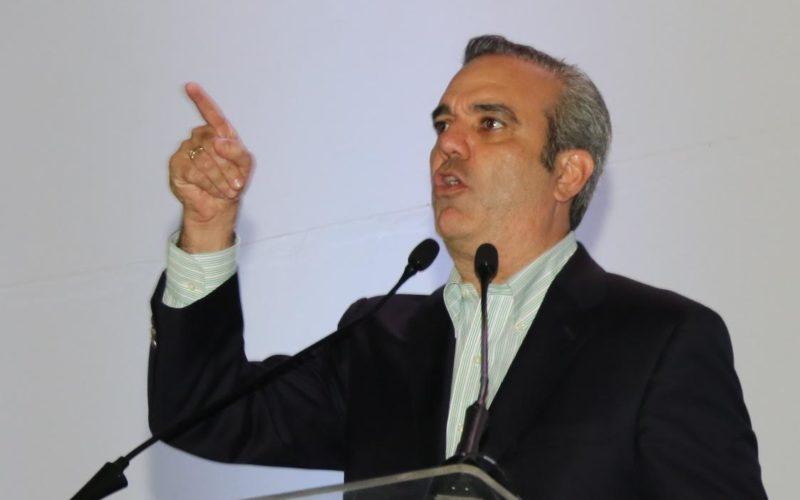 Luis Abinader advierte empréstitos van conduciendo a RD al «shock» del endeudamiento