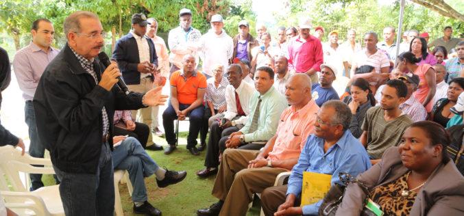 """Presidente Medina declara el 2017 como el """"Año del Desarrollo Agroforestal"""""""