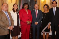 Presidente Medina recibe a Carissa Etienne, directora de la Organización Panamericana de la Salud