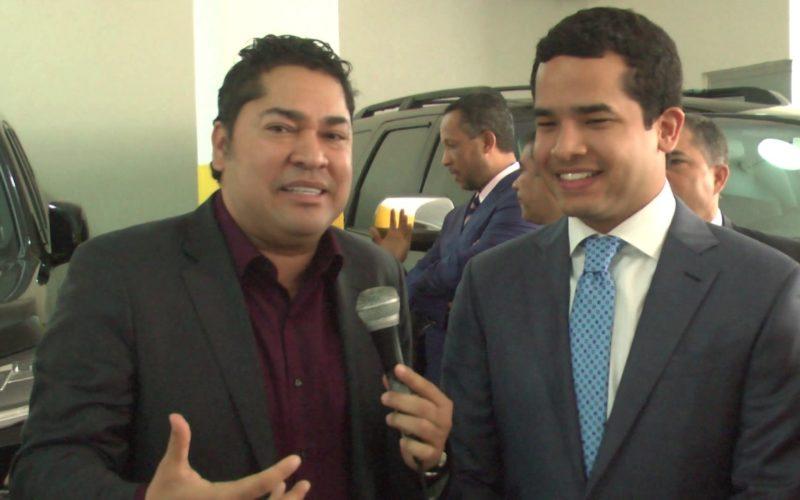 (Video) Omar Fernández, el hijo de Leonel, le dice a El Pachá: «Me siento cautivado por la política»