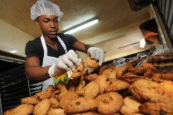Gobernador Banco Central dice Gobierno supera meta de 400 mil empleos en 4 años