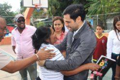 Robertico Salcedo anda en «campaña»… Ha sido exitoso siguiendo los pasos de su padre como productor y animador de tv; ahora parece que quiere seguirlo como alcalde