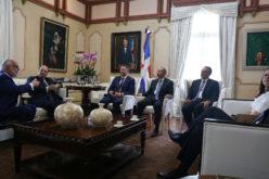 (Video) Presidente Medina recibe a nueva directiva de los empresarios
