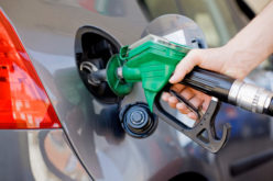 """Aumentan 2 pesos a gasolinas regular y premium, y lo mismo al gasoil; congelan precios del gas y del """"fuel oil"""""""
