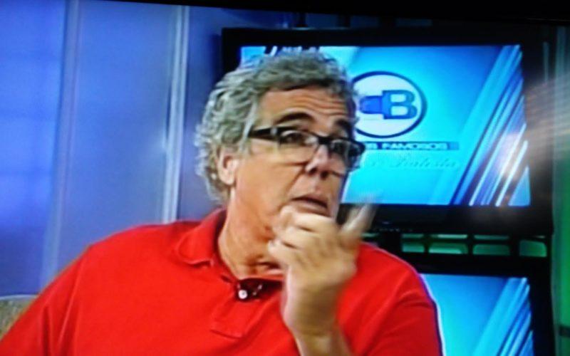 (Video) Ángel Muñiz dice PN se negaba a que usaran uniformes de institucón en su nueva película y se los alquiló a un coronel
