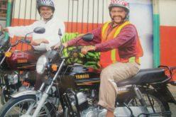 """Los """"motoconchistas"""" Miguel Céspedes y Raymond Pozo; los mismísimos Reyes del Humor…"""