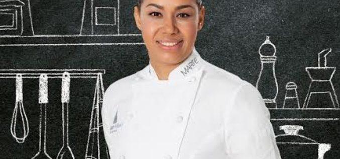 """La chef dominicana de fama internacional María Marte presentó su libro """"Soñar, luchar, cocinar"""" en el Foro Gastronómico"""