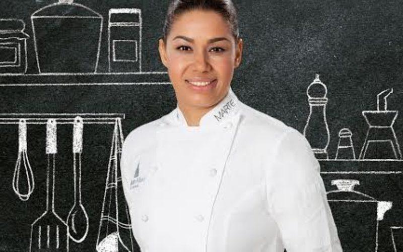 """La chef dominicana de fama internacional María Marte presentó su libro «Soñar, luchar, cocinar"""" en el Foro Gastronómico"""