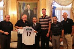 (Video) El «pequeño» Danilo Medina con el «gigante» Randy Johnson