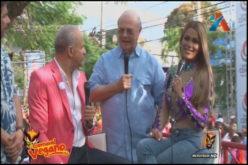 """Hipólito soltó su """"vejigazo"""" en el Carnaval de La Vega y quien con mayor intensidad sintió el """"foetazo"""" fue Luis Abinader"""