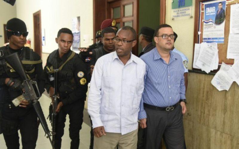 (Video) Blas Peralta se bañó con aceite de motor (lubricante) para borrar evidencia de su cuerpo, revela abogado familia Aquino Febrillet