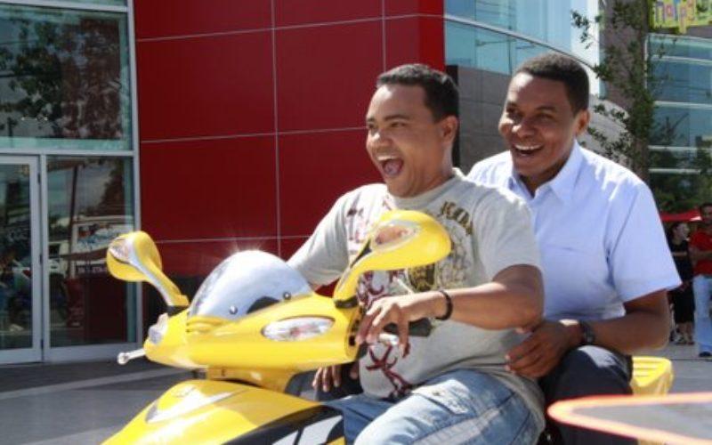 Raymond y Miguel, Los Reyes del Humor, vuelven al cine; ahora con Nashla Bogaert y Manny Pérez