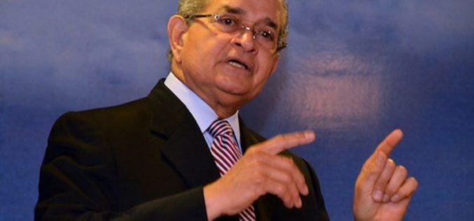 """Franklin Almeyda dedica a Danilo Medina """"La llave de mi corazón"""", de JLG, porque dice el presidente tiene """"La llave de la reeleción"""""""