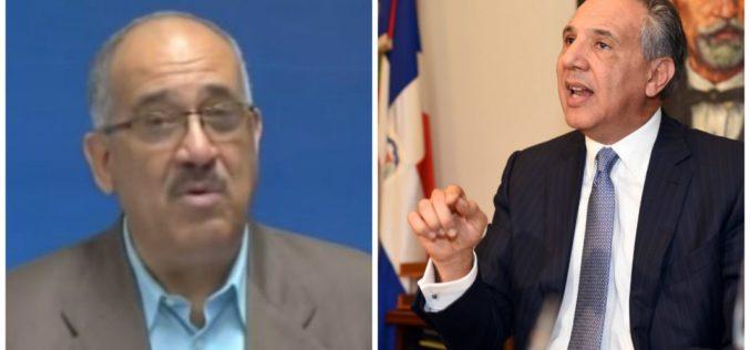 (Video) Leonardo Fañas recibe intimación de José Ramón Peralta para que se retracte; advierte no se retractará, y lo reta a demandarlo