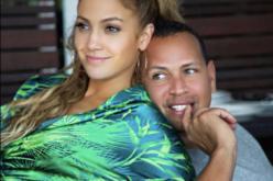 No solo Jennifer López disfruta subir fotos a sus redes sociales junto a Alex Rodríguez; él también disfruta hacerlo