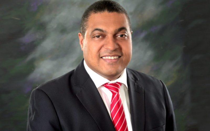 Presidente Medina felicita a José P. Monegro por haber sido su designado director del periódico El Día