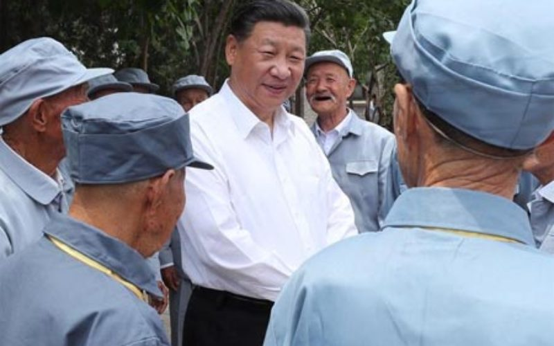 Presidente chino Xi Jinping considera debe hacerse más para acabar con pobreza