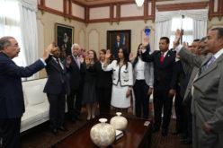 Presidente Medina juramenta a funcionarios del Instituto de Tránsito y Transporte (Intrant)