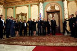 Danilo juramentando a los nuevos jueces del Tribunal Superior Electoral y la Suprema Corte de Justicia
