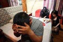 En China no juegan: condenan a ex legislador a cadena perpetua por activar en prostitución organizada
