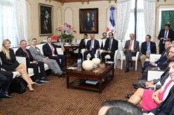 Empresarios EEUU invertirán US$1,000 millones en turismo de RD; adquieren complejo Playa Grande en Río San Juan
